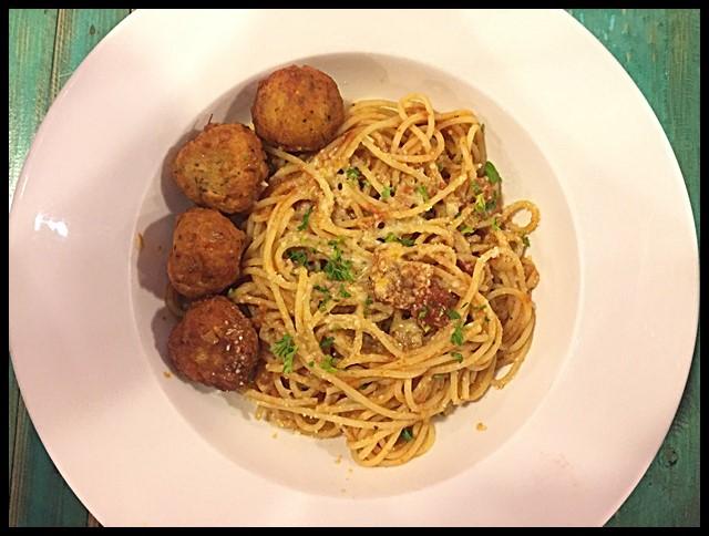 Spaghetti marinara- Meatball