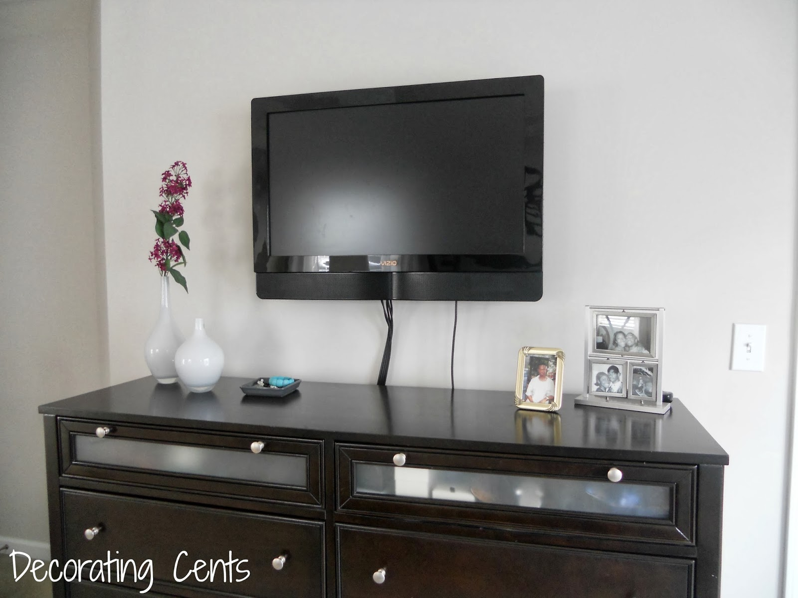 Decorating Cents: Wall Mounted TV and YesComUSA