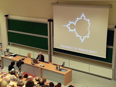 Mandelbrot hablando de fractales