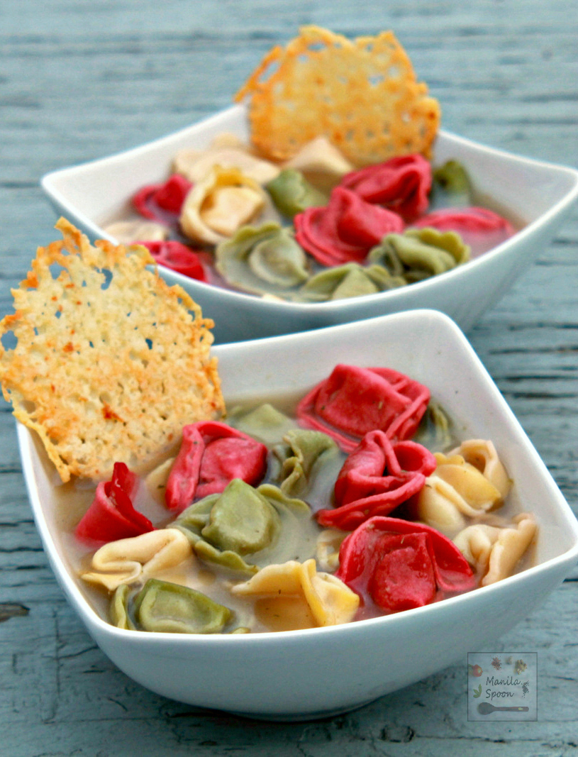 Cheese  Tortellini and Pesto Soup