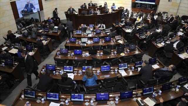 Senado de Colombia aprueba acuerdo de paz entre Gobierno y FARC