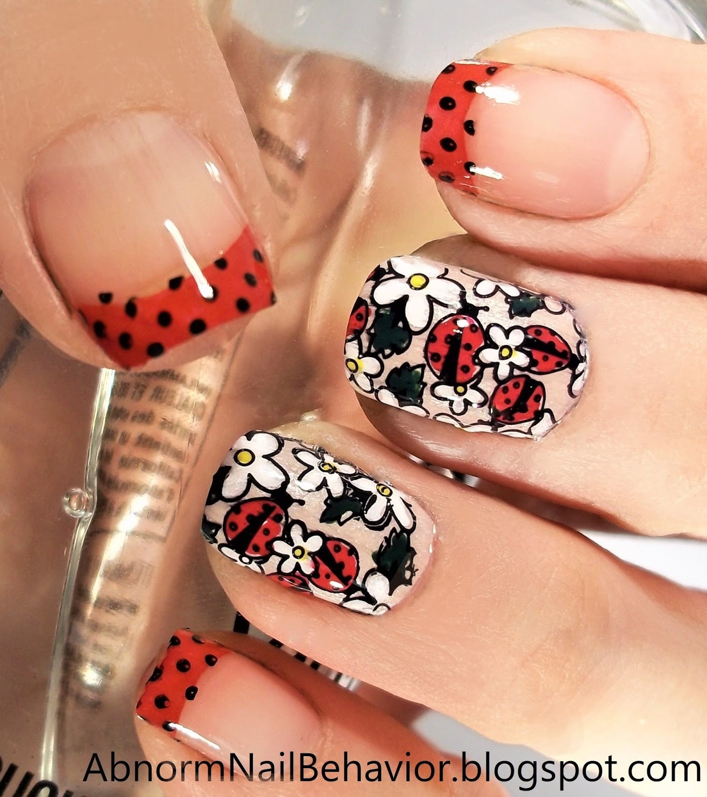 I Picked This Daisy And Lady Bug Plate Because Wanted To Demonstrate A Multicolored Design It Has Ton Of Great Detail Reverse Nail Stamping