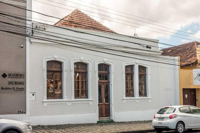 Casa na Av. Jaime Reis, 238