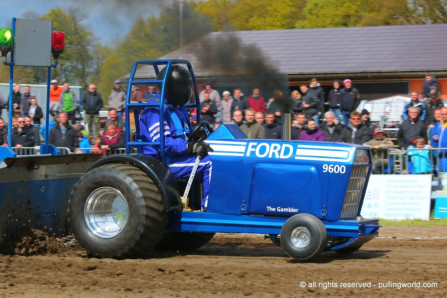 Tractor Pulling News Pullingworldcom The New The Gambler
