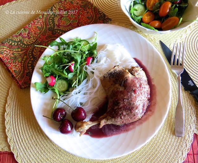 La cuisine de messidor cuisses de canard confites sauce aux cerises fra ches - Cuisse de canard en sauce ...