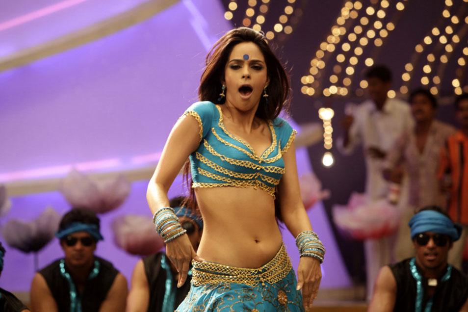 Mallika sherawat belly showing latest hot pics