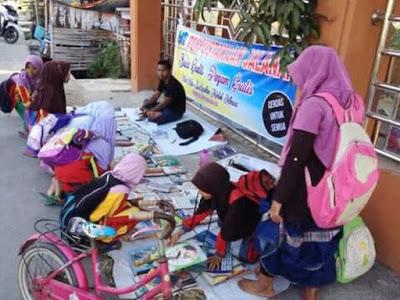 Cara Paling Efektif Meningkatkan Minat Baca Masyarakat Indonesia Dengan Perpustakaan Jalanan
