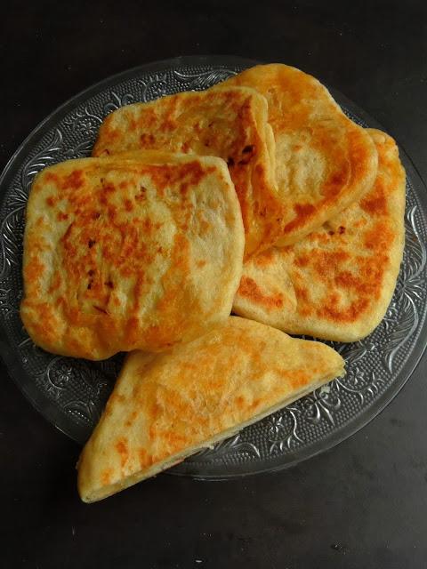 R'ghayef,Moroccan Stuffed Flatbread