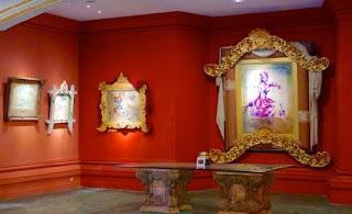 lukisan di dalam ruangan museum antonio blanco