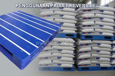 Kelebihan dan Kekurangan Pallet Plastik Reversibel untuk Tatakan Gudang