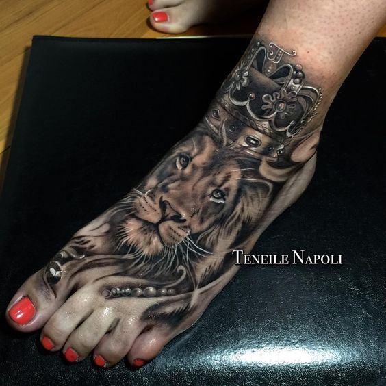 Cool lion tattoos designs for women