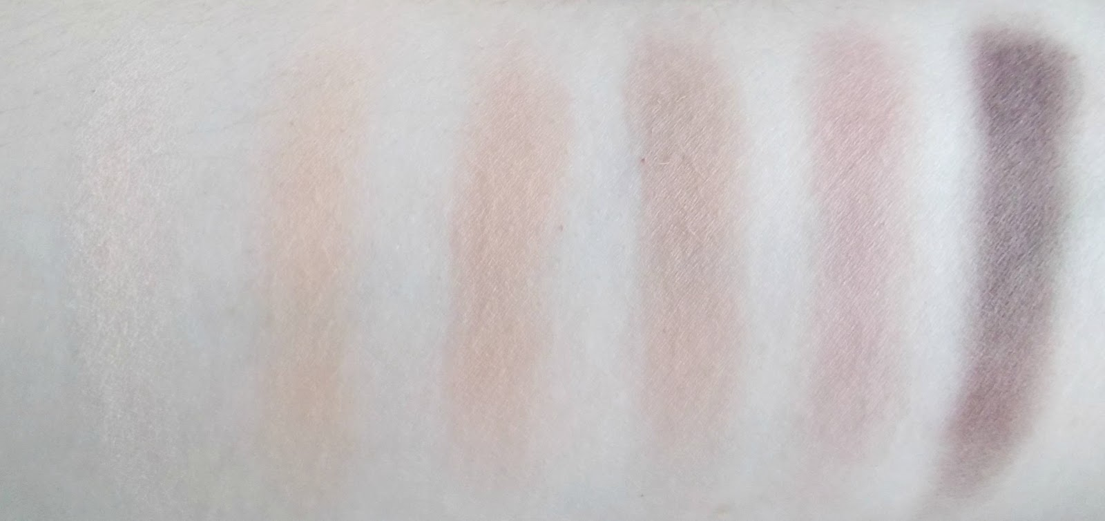 Urban Decay Naked Ultimate Basics swatches 1st row
