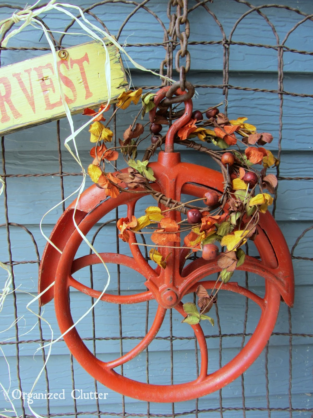 Autumn Pulley Wreath www.organizedclutterqueen.blogspot.com