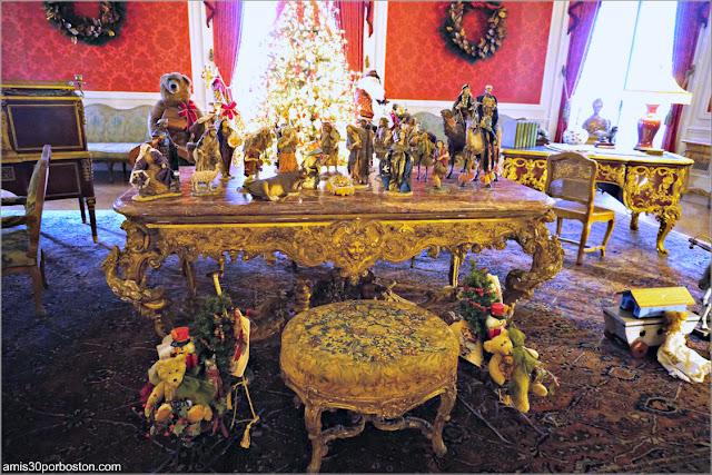 Reyes Magos en el Belén de la Salita de Estar de la Mansión The Elms en Newport