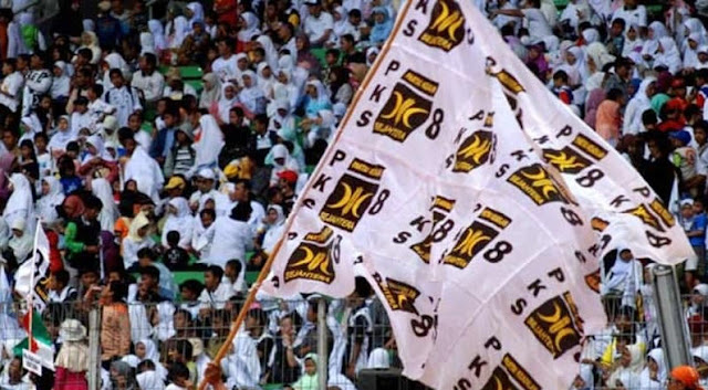 bendera pks