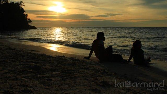 sunset pusat laut