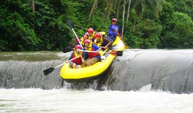 Arung Jeram Sungai Ciberang Banten
