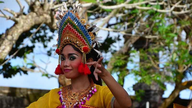 Keren, Bali Menerapkan Hari Busana Adat Setiap Hari Kamis
