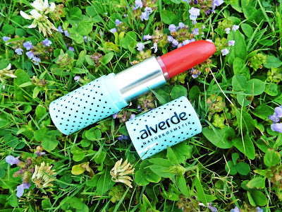 alverde-lipstick-fabulous-fifties-rockabella-red-swatch-picture