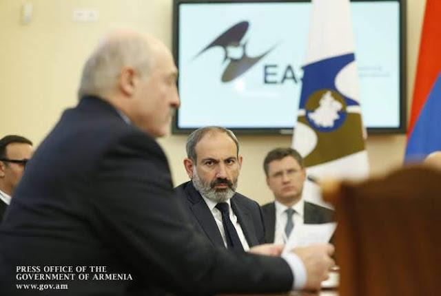 Lukashenko dijo que tuvo que disculparse con Pashinyan