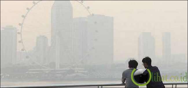 Kabut Asap di Singapura Terburuk dalam 16 Tahun