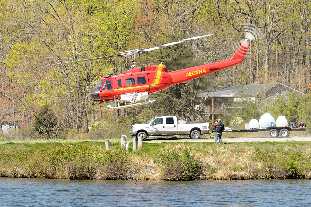 Helicopter lifts off from Lake Shannondale