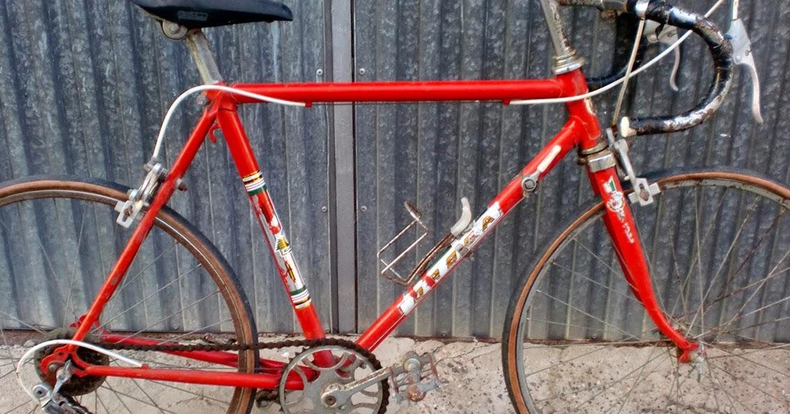 Imagen De Niña Andando En Bicicleta: RECICLONE, Antique Bicycles Restoration, Restauración De