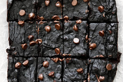 Healthy Avocado Black Bean Brownies