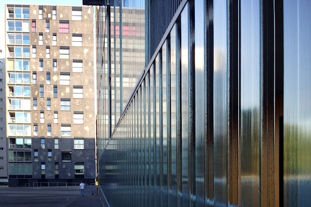 Gebruik moderne architectuur voor mooie compositie