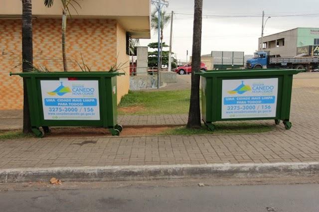 Senador Canedo: Lixeiras são distribuídas para dinamizar limpeza nas ruas