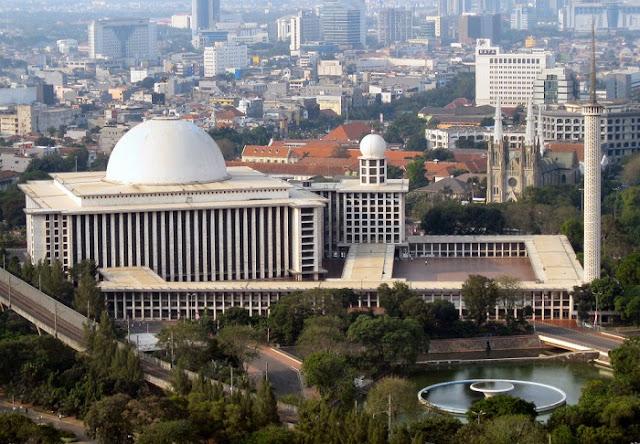 Cara Naik Commuter Line ke Masjid Istiqlal