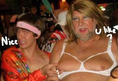 hässliche Männer auf Party Foto