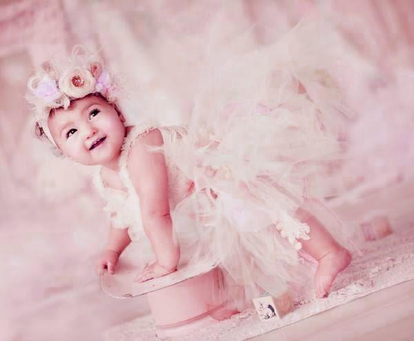 güzel sevimli bebek resmi duvar kağıdı