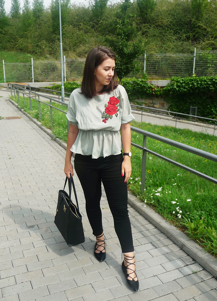 Floral Patched Boat Neck Blouse zaful.com outfit