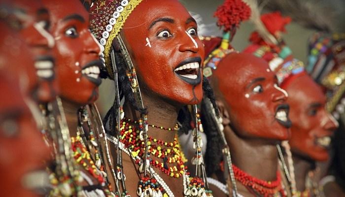 Ritual Pernikahan Suku Pedalaman yang Aneh dan Gila