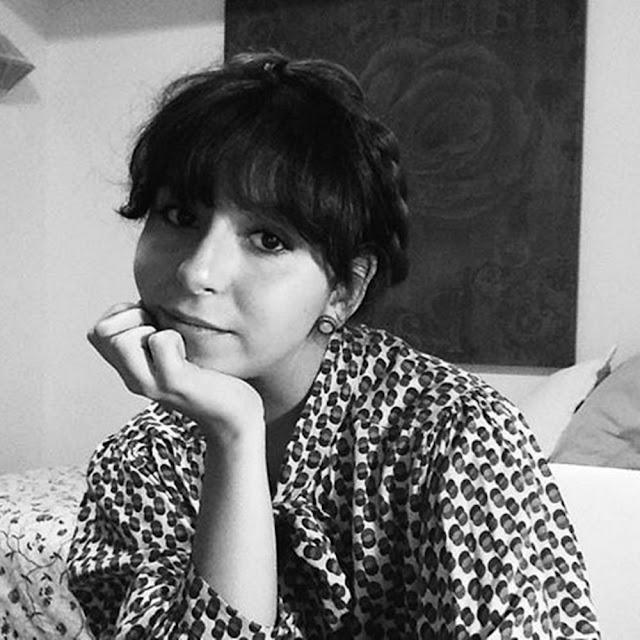 En el sillón: Valentina Mora