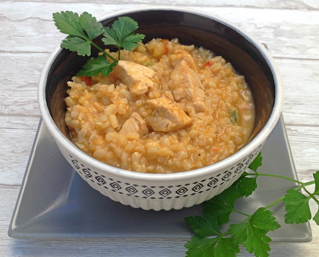 Guiso de arroz integral con pollo