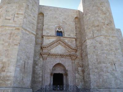 Portale di entrata di Castel del Monte