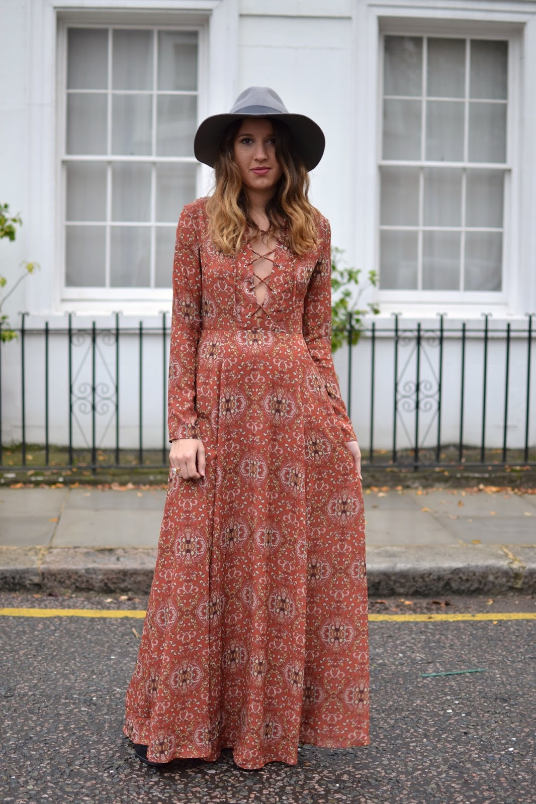 5d8c9e1552f Boho Outfit  Glamorous Baroque Print Lace Up Maxi Dress