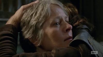Abrazo de Carol y Daryl, 6x13 de 'The Walking Dead'