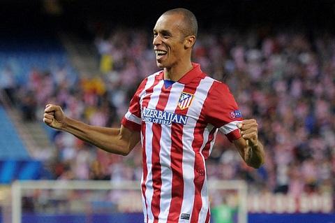 Miranda chia tay Vicente Calderon, kết thúc 4 năm thi đấu cho đội tuyển Tây Ban Nha.