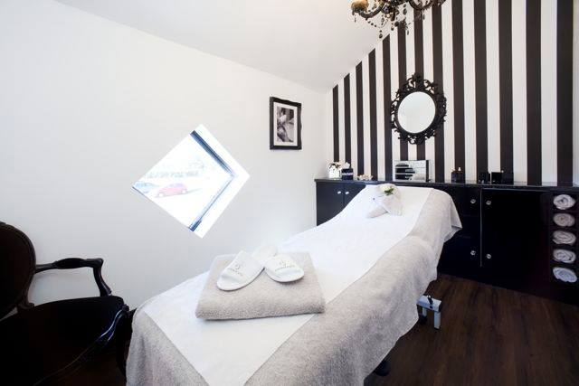 Formidable Joy - UK Fashion, Beauty & Lifestyle blog | Beauty | Bespoke Yonka Facial At Derma Spa; Formidable Joy; Formidable Joy Blog; Derma Spa; Derma Spa Review; Beauty Review; Facial; Bespoke Yonka Facial