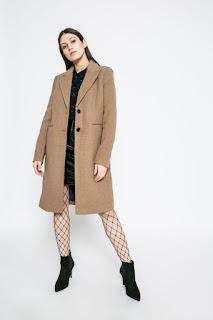 Paltoane deosebite de damă