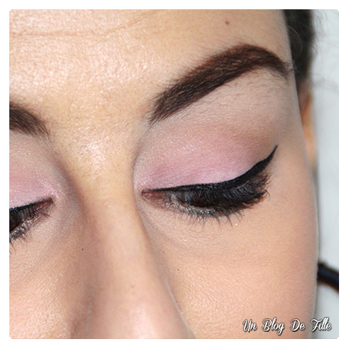 http://unblogdefille.blogspot.fr/2017/01/maquillage-rose-pink-makeup-msc-saumon.html