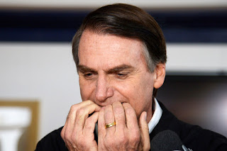 Bolsonaro diz que não vai a debates por medo de atentado