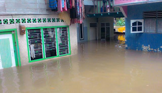Hujan Deras Seharian, Banjir Landa Beberapa Kawasan di Kota Medan