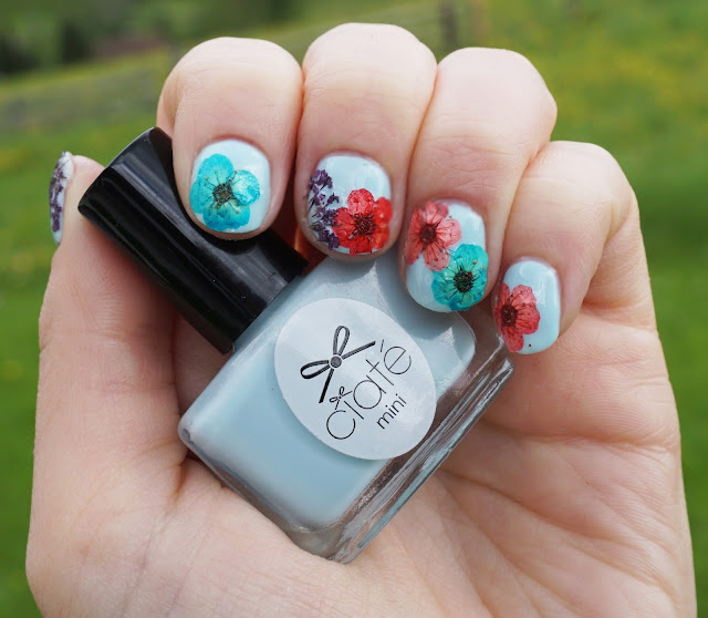 Summer-Nail-Art: Ciaté - Flower Manicure (Bada Bloom)