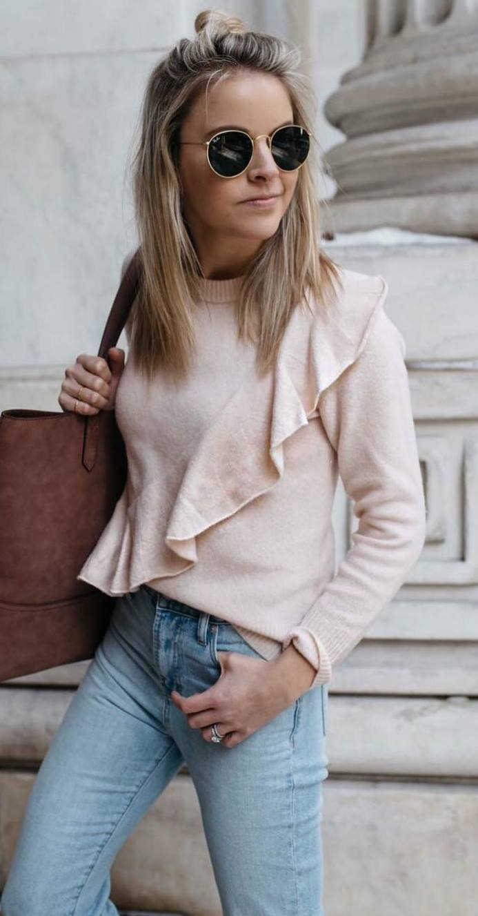 cute outfit  idea_cashmere top + brown bag + jeans