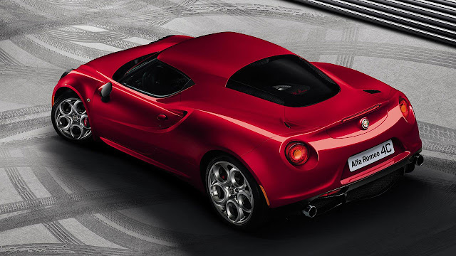 Alfa Romeo 4C rear side