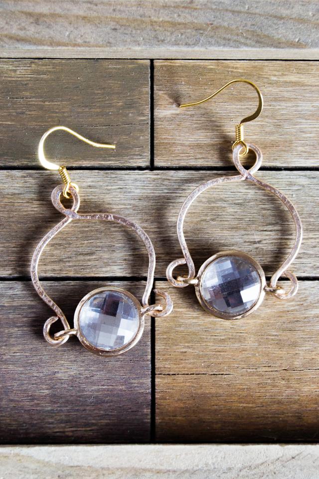 DIY elegant hammered wire earrings